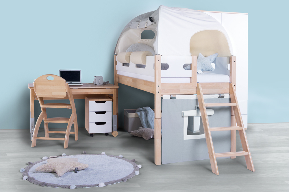 Vyvýšená postel pro chlapce
