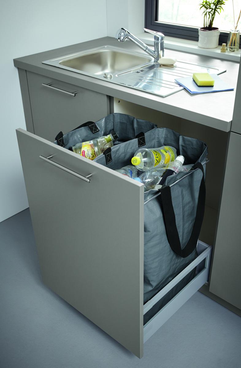 Výsuvné kuchyňské skříně