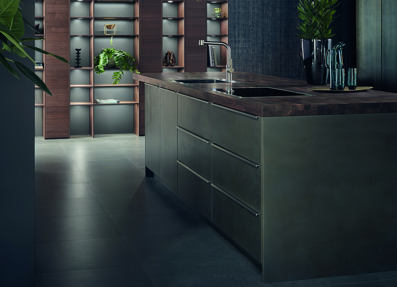 Tmavá kuchyně