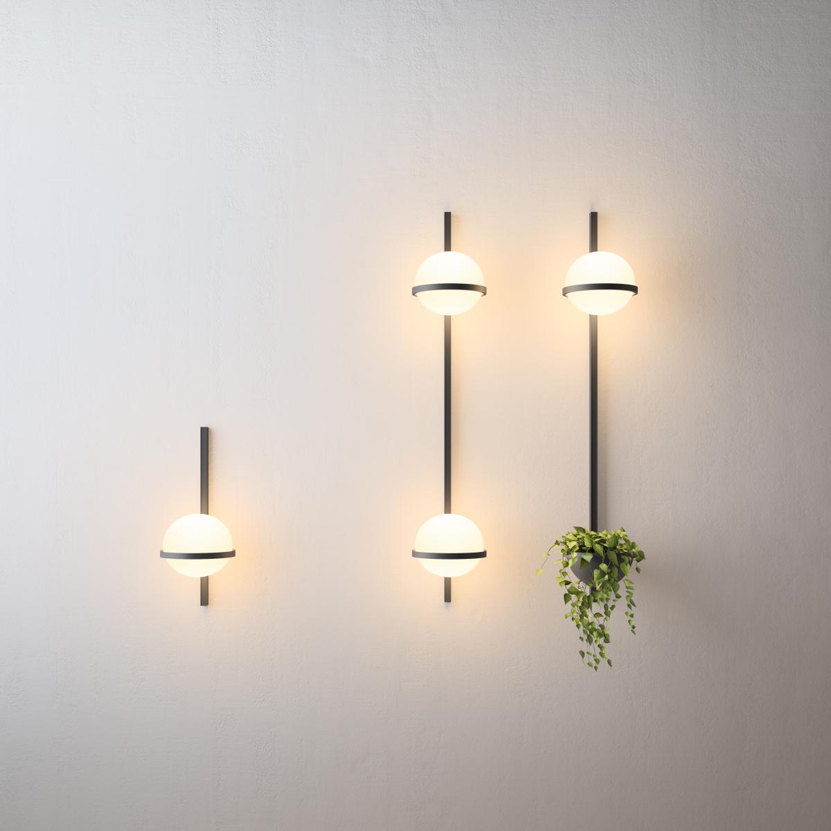 Nástěnné světlo v podobě koulí