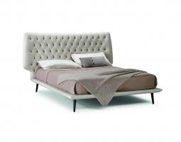 Stylová postel Dolce Vita