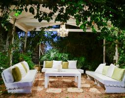 Romantick zahradní posezení