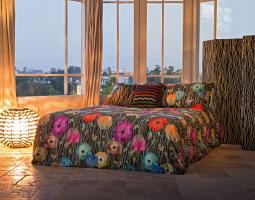 Designová postel