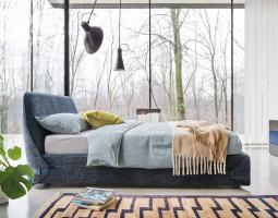 Elegantní čalouněná postel