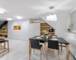 Elegantní kuchyňská skříň