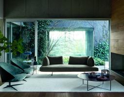 Prosklený obývací pokoj