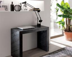 Malý pracovní stůl